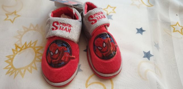 Papuci casa /gradinita cu Spider Man