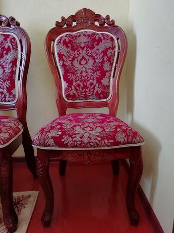 Срочно продам королевские стулья 14 шт.