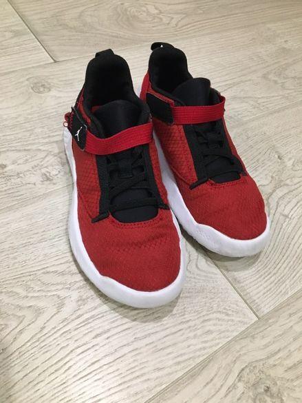 Продавам маратонки Nike Jordan 33
