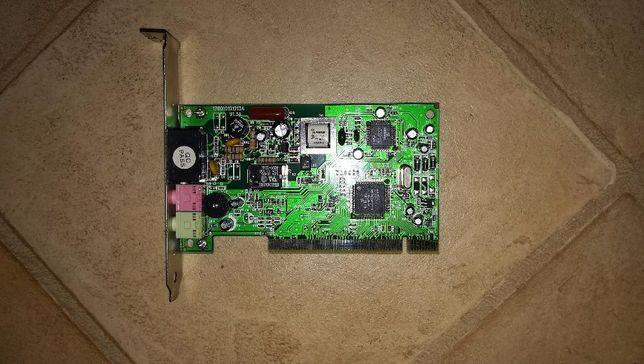 Placa de telefon fix si audio in calculator