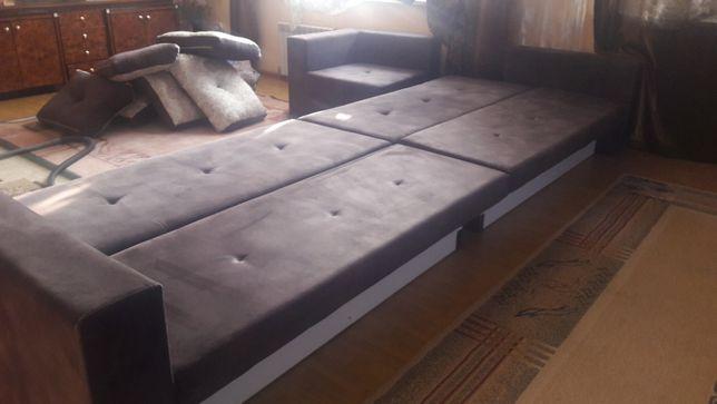 Продам большой четырех спальный диван в отл.. состоянии