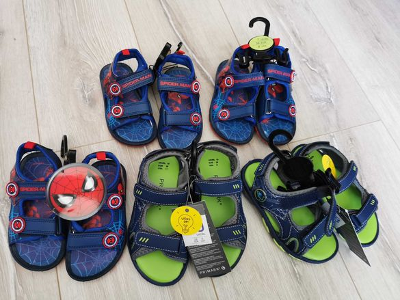 Детски сандали на Primark светещи и на spider-man. 28 лева