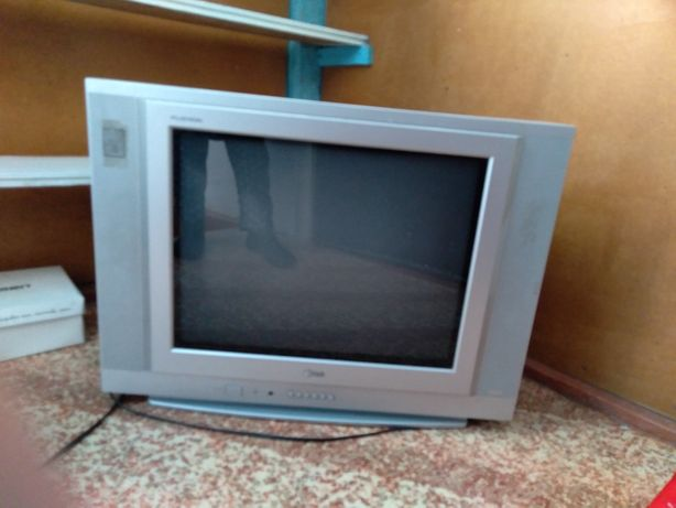 Продам телевизор б/у цветной