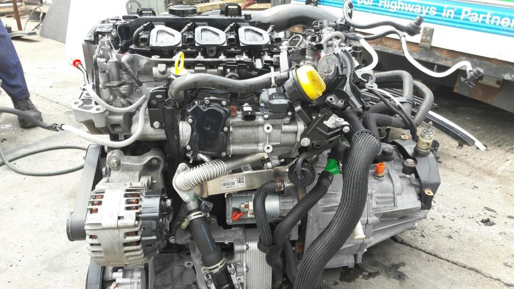 Motor Renault Trafic 2.0 euro 5 Bucov - imagine 1