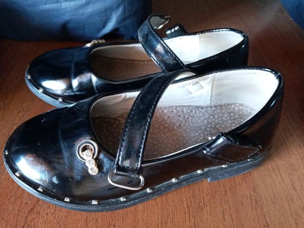 Туфли на девочку 6лет