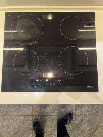 Индукционная плита Hansa