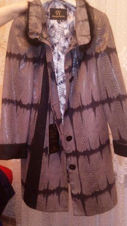пальто новое 15000 тг