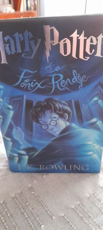 Carte Harry Potter in Maghiara