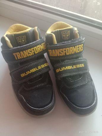 Срочно продам детский осенний ботинка размер 30