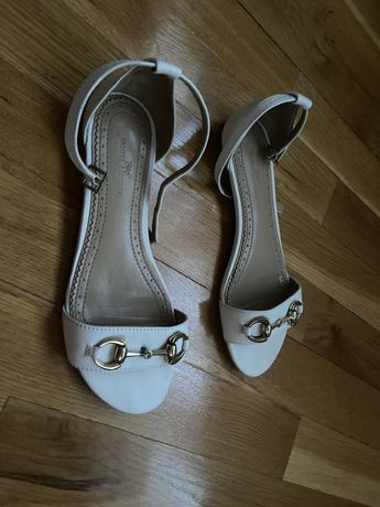 Sandale joase
