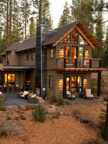 Case din lemn cu etaj
