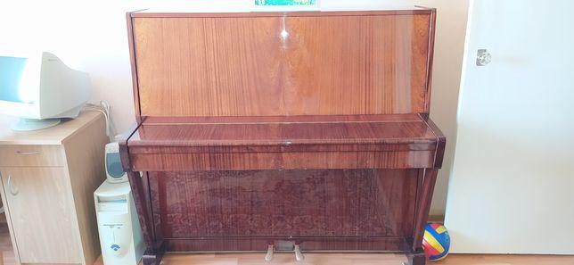Продам фортепьяно (Борисовская фабрика)