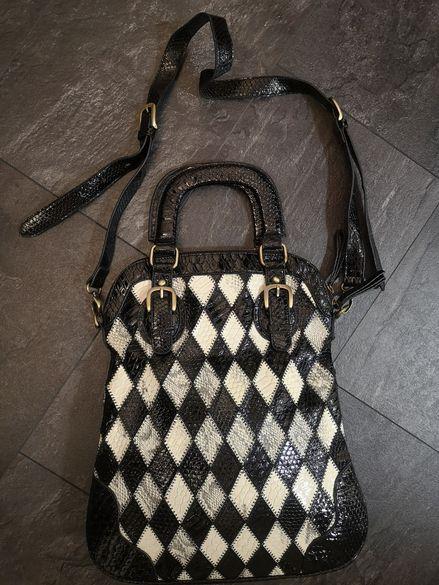 Чанта черно и бяло естествен лак