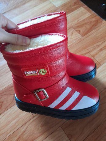 Продам зимнии ботиночки на девочку или мальчика