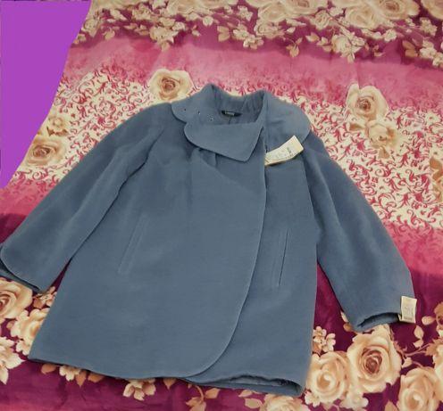Полу-пальто. 52 размер, в рассрочку на три месяца