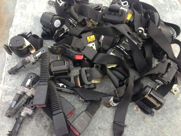 Колани и пиропатрони за БМВ Е46 и много други закопчалки