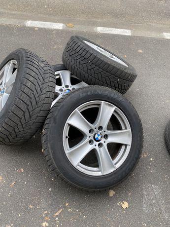 Anvelope BMW x5 255 55 18 iarna runflat Dunlop.