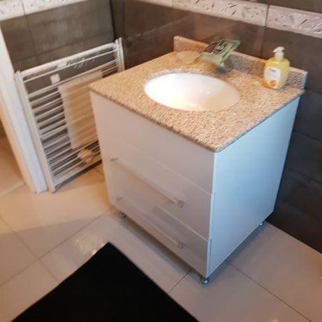 Mobilier baie, spalator cu masca