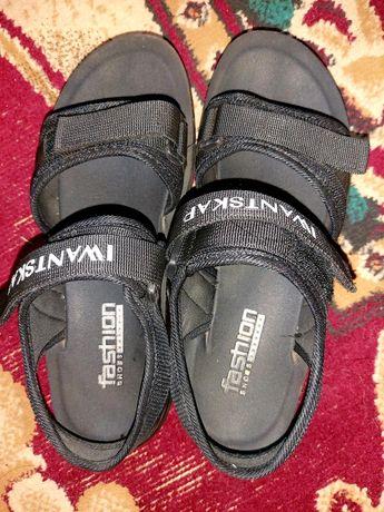 Мужские сандалеты срочно