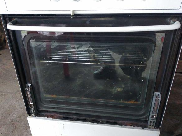 Продавам печка gorenie с 4 бързо загряващи котлона и фурна