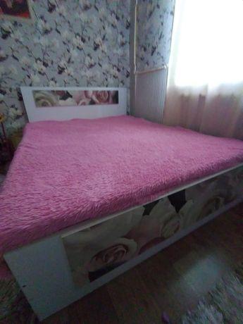 продам спальный гарнитур 80000 тг.
