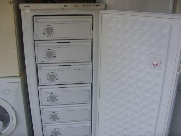 Congelator simens miele bosch lada frigorifica frigider / pret 550 lei