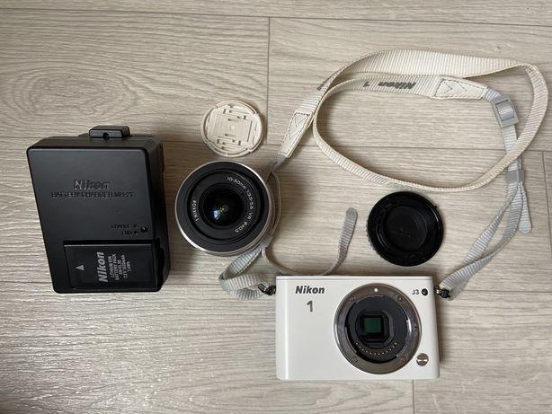 Цифровая зеркальная фотокамера NIKON 1 J3 white kit + 10-30MM VR