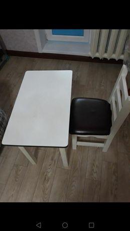 Продам детский столик со стулом