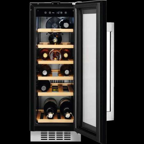 Встраиваемый винный шкаф Electrolux ERW0673AOA
