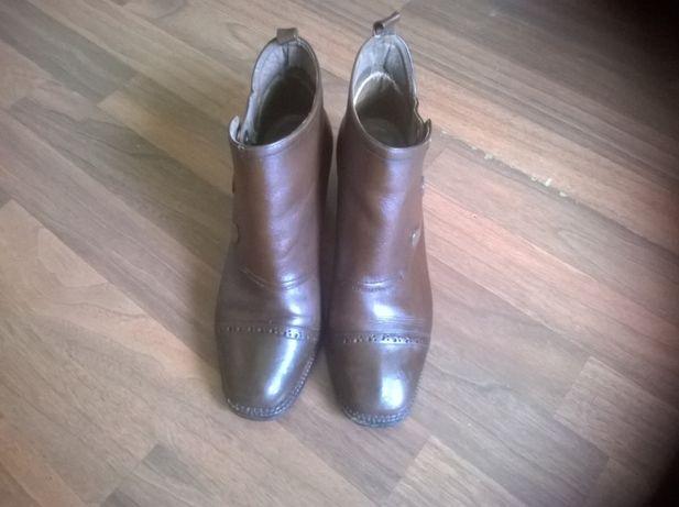 Vând pantofi de damă (mărimea 38)