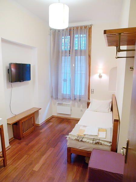 Самостоятелни стаи и апартаменти в Топ Центъра на София