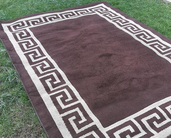 280см./200см.Немски, много плътен килим в приятен кафяв цвят 0168