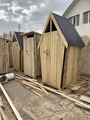 Туалет деревянныий
