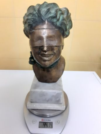 Statuie de bronz dimensiunile reies din poze