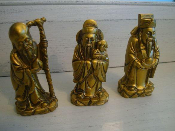 каменни статуетки на монаси от Китай