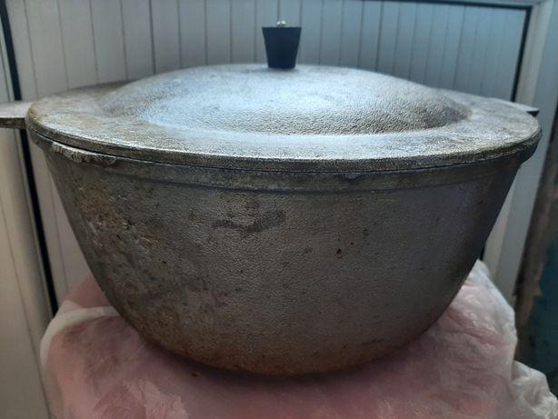 Казан примерно 5л.,салатницы, рыбница, вареньица, посуда для специ