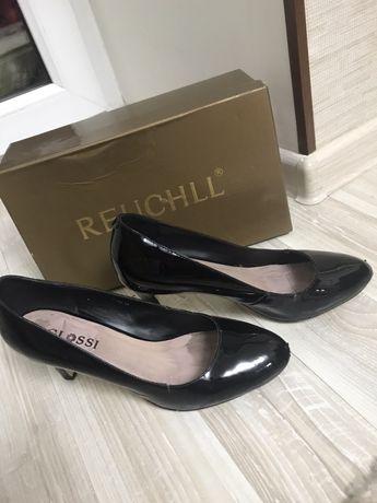 Туфли 37 размера