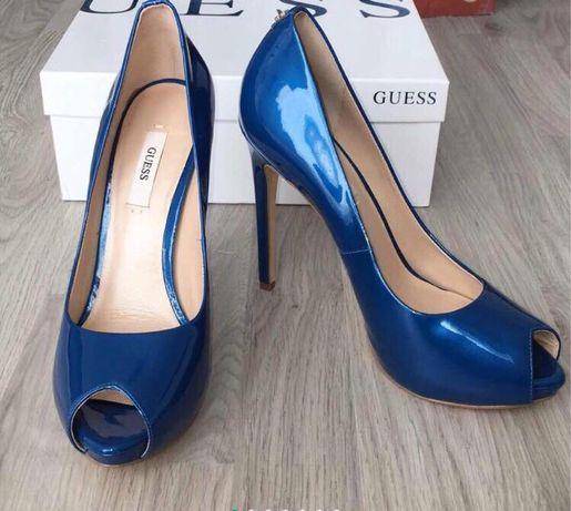 Pantofi cu toc GUESS marimea 39