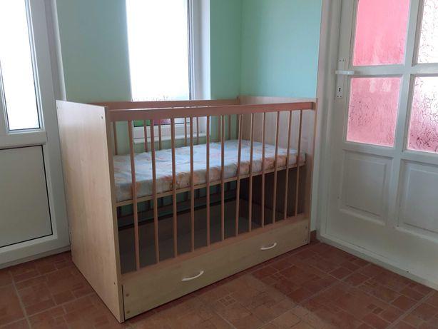 Patut pentru copii din lemn