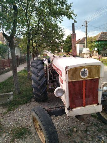 Tractor David Brown + plug