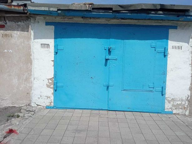 Продается гараж, находящийся вдоль железной дороги напротив Аэлиты