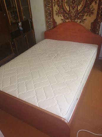 Продам кровать полуторка