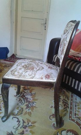 Mobilier vechi