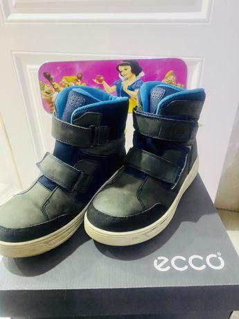 Продам зимнии ботинки-сапожки на мальчика 40 размер