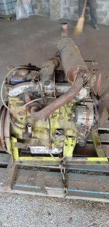 Vand Motor Perches in 4 cilindri