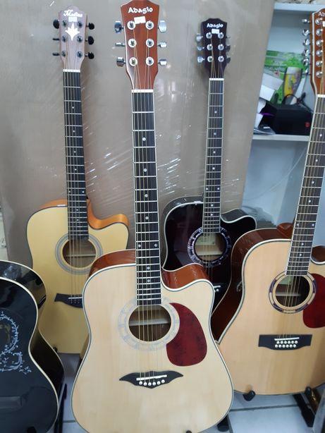 Продам гитару Ададжио