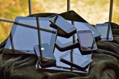 Service iPhone orice model piese originale Beclean - imagine 1