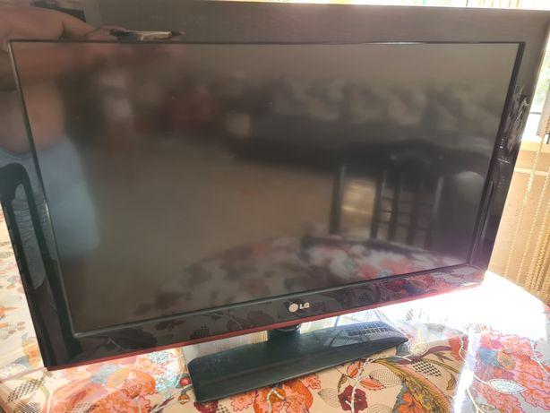Телевизор LG 32 в отличном состоянии