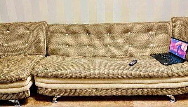 Продам диван с 2мя креслами