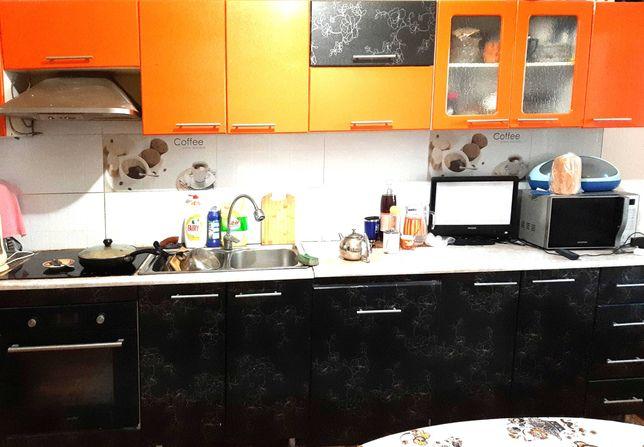Кухонная мебель в хорошем состоянии